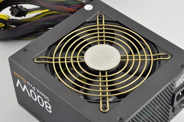 04451124-photo-cooler-master-silent-pro-gold-800-w