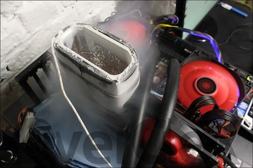 AMD R9 290X Azote liquide