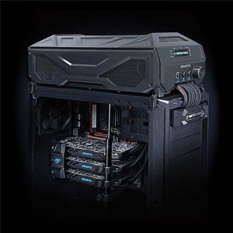 Gigabyte GTX 980 WaterForce Tri-SLI 3