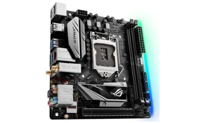 ASUS StriX B250i Gaming (1)