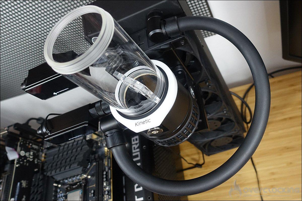 Installation des tuyaux de notre boucle de refroidissement