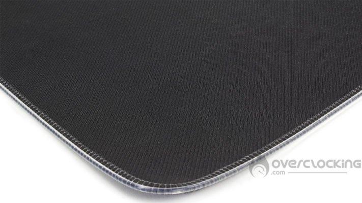 Corsair MM700 RGB - Base en caoutchouc